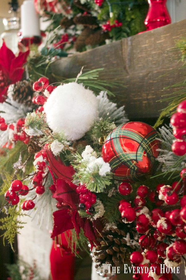 festive-christmas-mantel-garland | The Everyday Home | www.everydayhomeblog.com