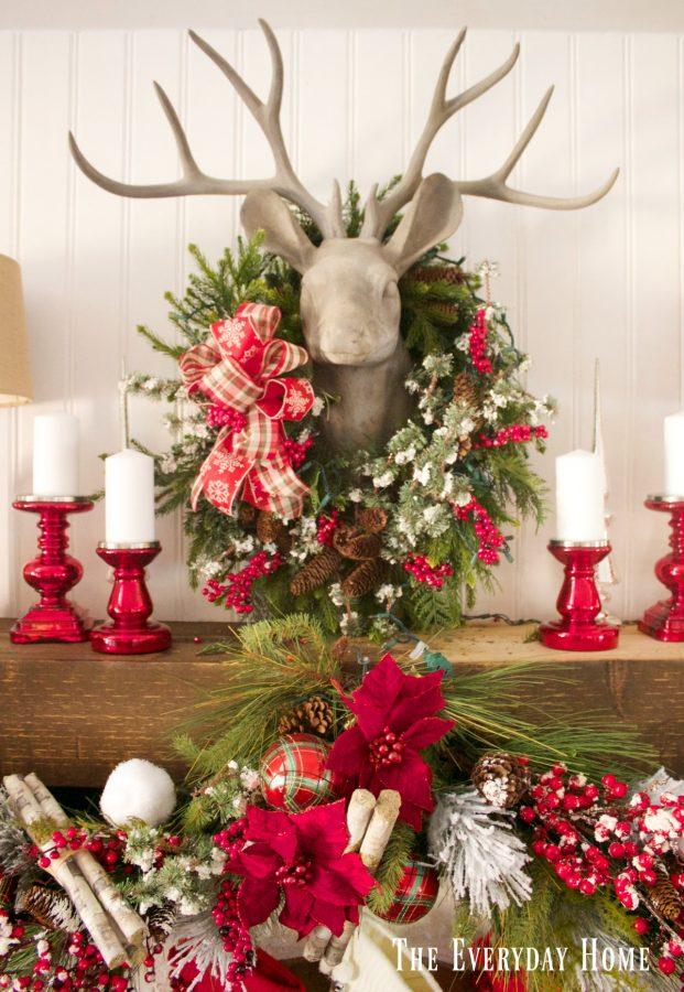 festive-christmas-mantel-and-fireplace | The Everyday Home | www.everydayhomeblog.com