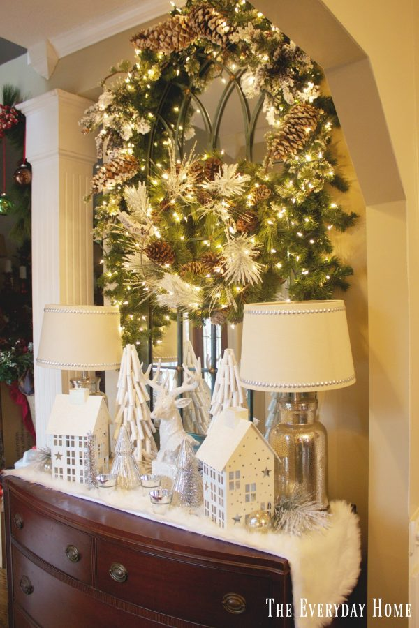 frosty-winter-foyer-vignette