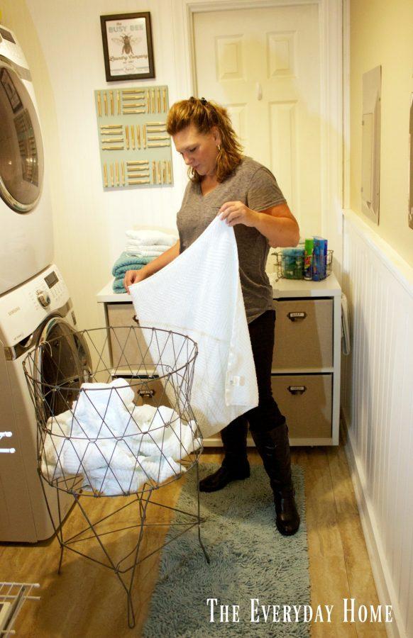 laundry-room-cubby | The Everyday Home | www.everydayhomeblog.com
