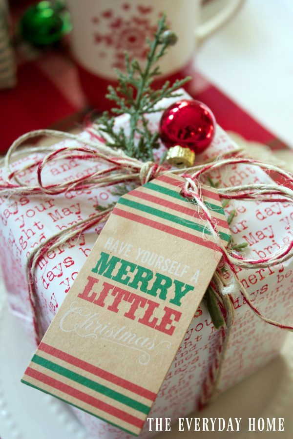 packages-on-a-santa-chrostmas-tablescape