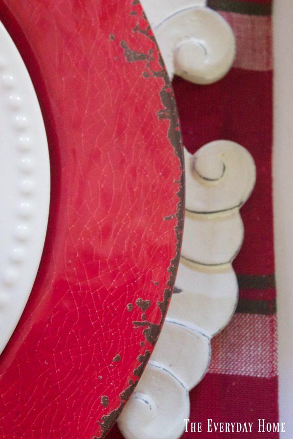 red-christmas-plates |The Everyday Home | www.everydayhomeblog.com