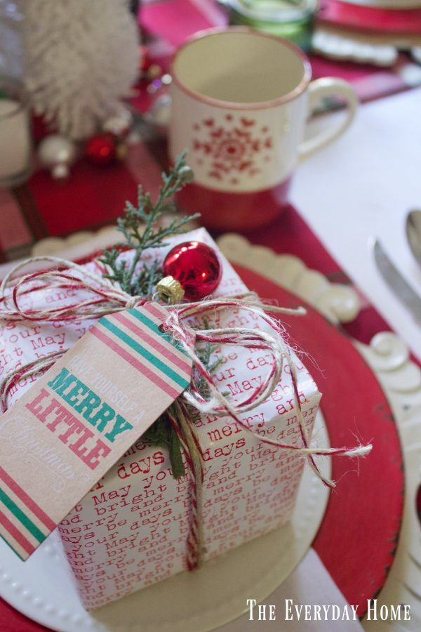 wrapped-christmas-package-placesetting  The Everyday Home   www.everydayhomeblog.com