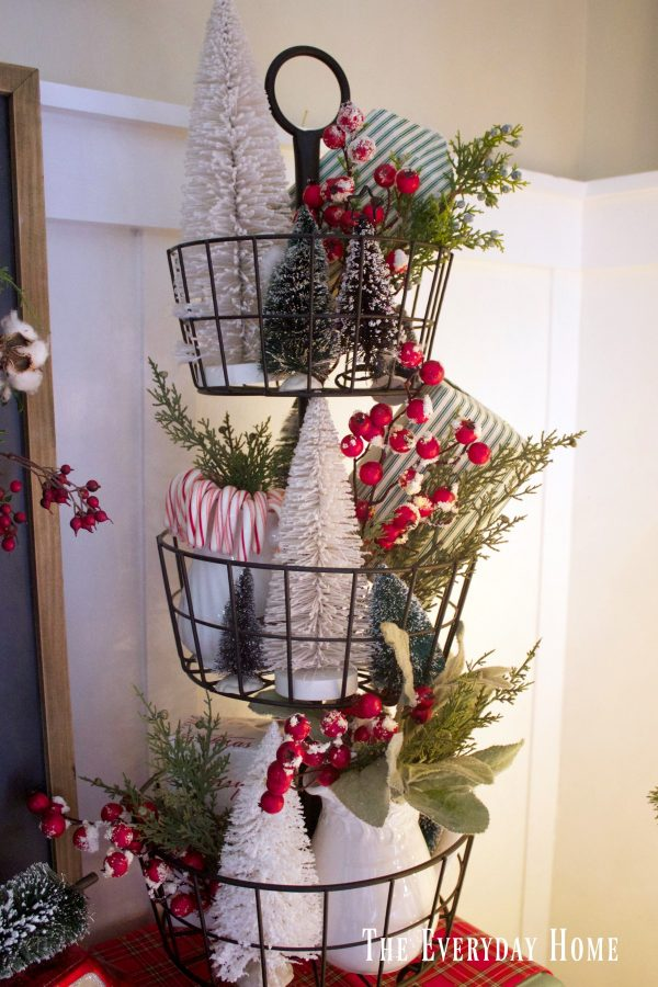 an-old-fashioned-christmas-tiered-stand