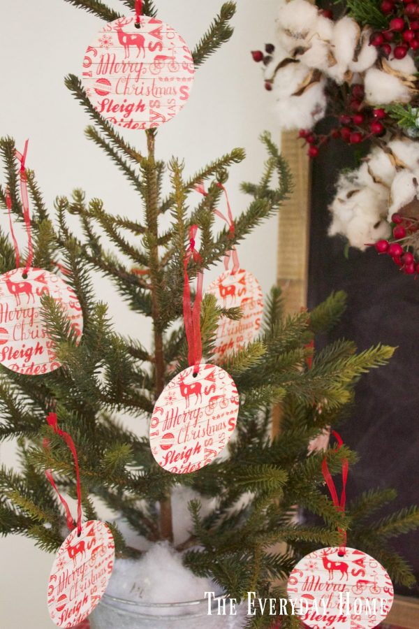 an-old-fashioned-christmas-tree-with-tags