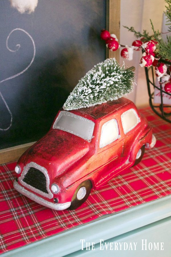 an-old-fashioned-christmas-vintage-red-car