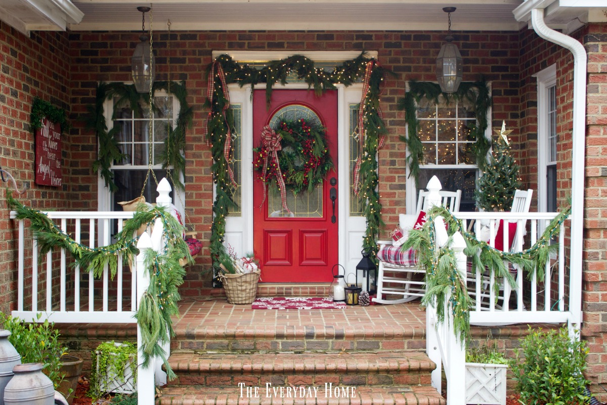 christmas-front-porch-greenery