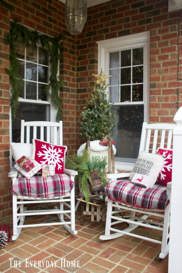 christmas-front-porch-rockers-and-tree