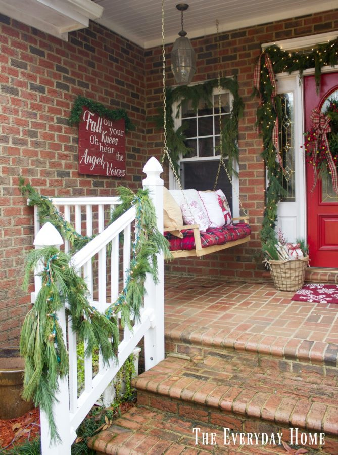 christmas-front-porch-swing-and-sign