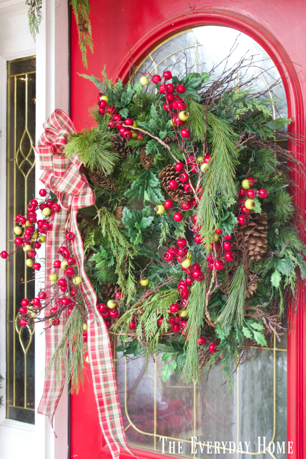 christmas-front-porch-wreath