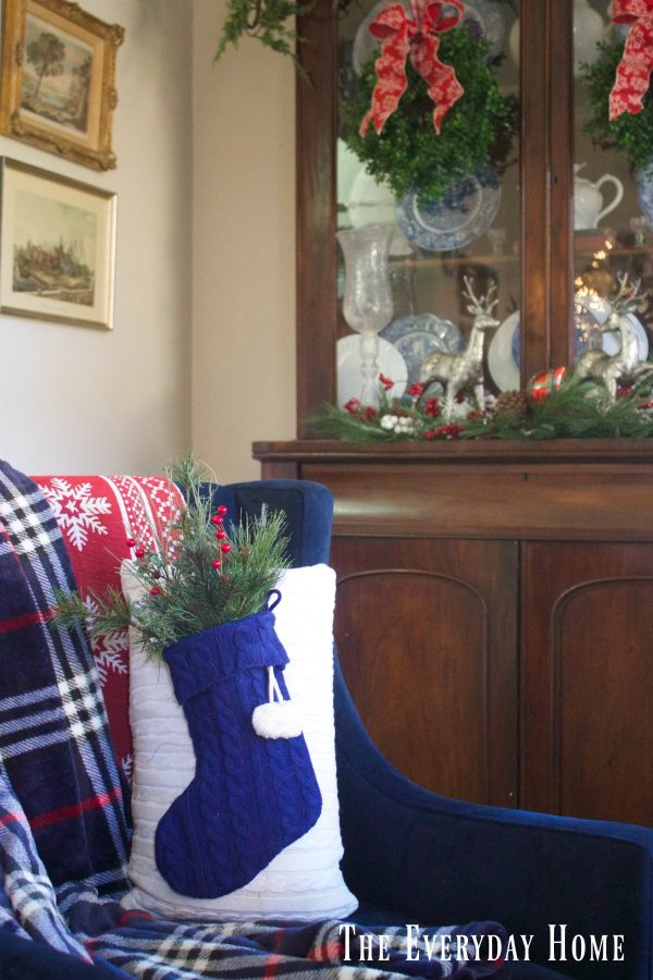 creating-a-sweater-stocking-pillow | The Everyday Home | www.everydayhomeblog.com