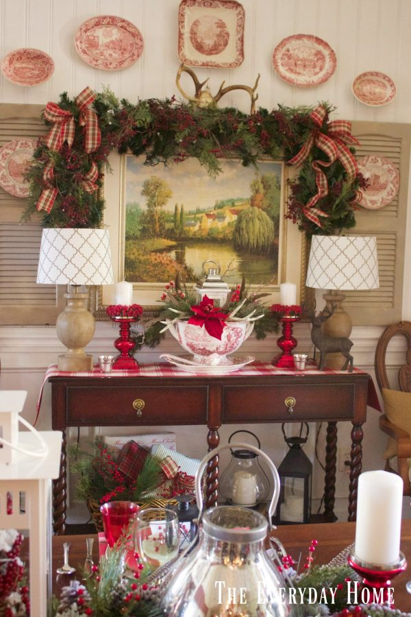 dining-room-buffet-for-christmas-and-tablescape