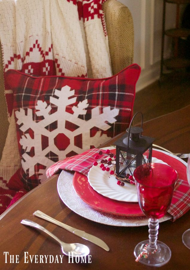 festive-tablescape-placesetting