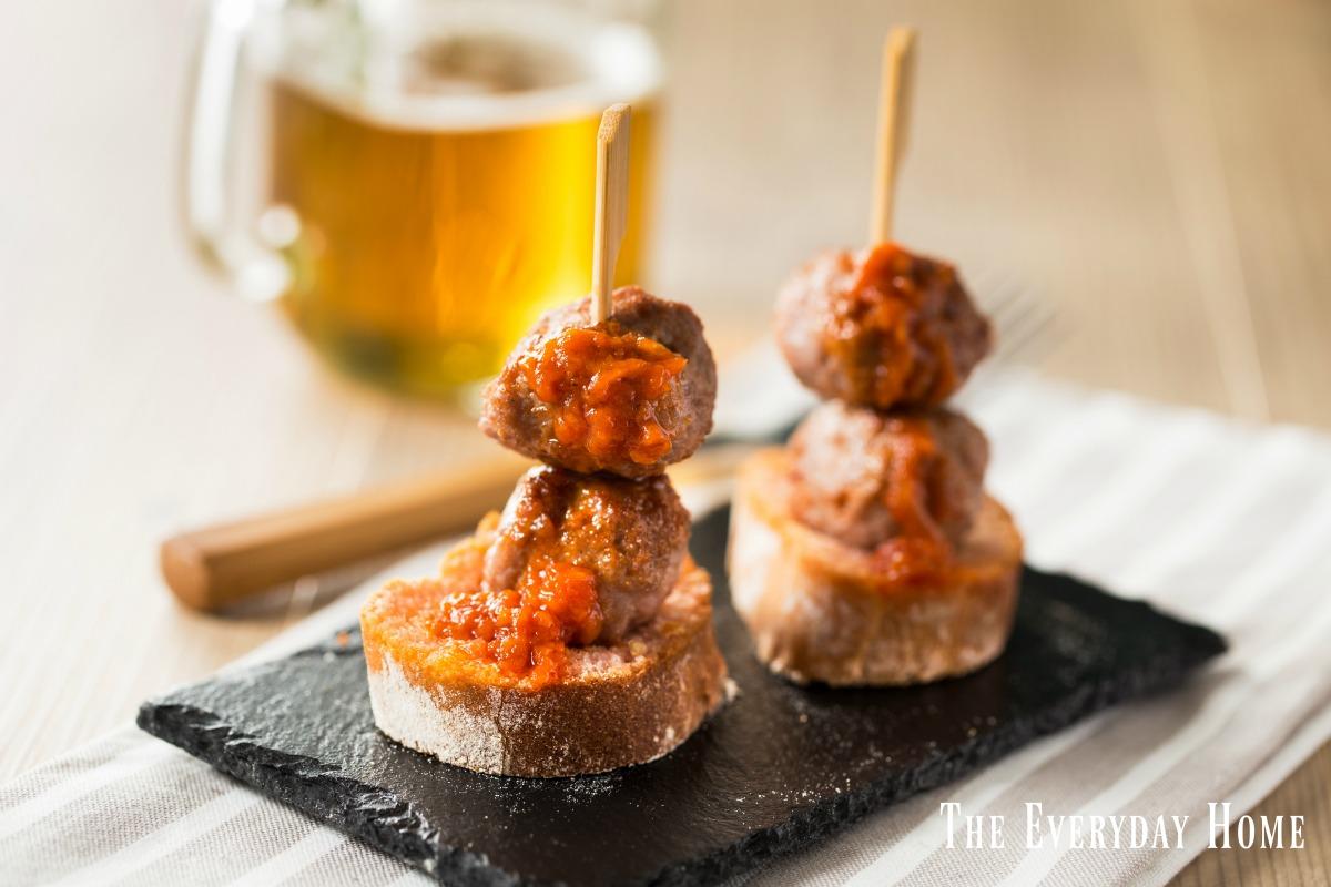 progressive-dinner-out-meatball-marinara