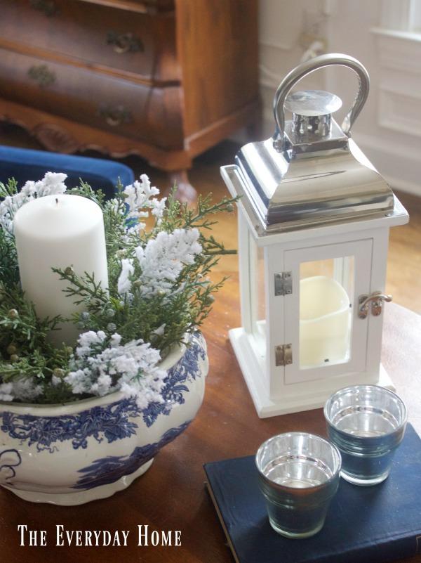 Cozy Winter Decor Ideas in the Living Room | The Everyday Home | www.everydayhomeblog.com