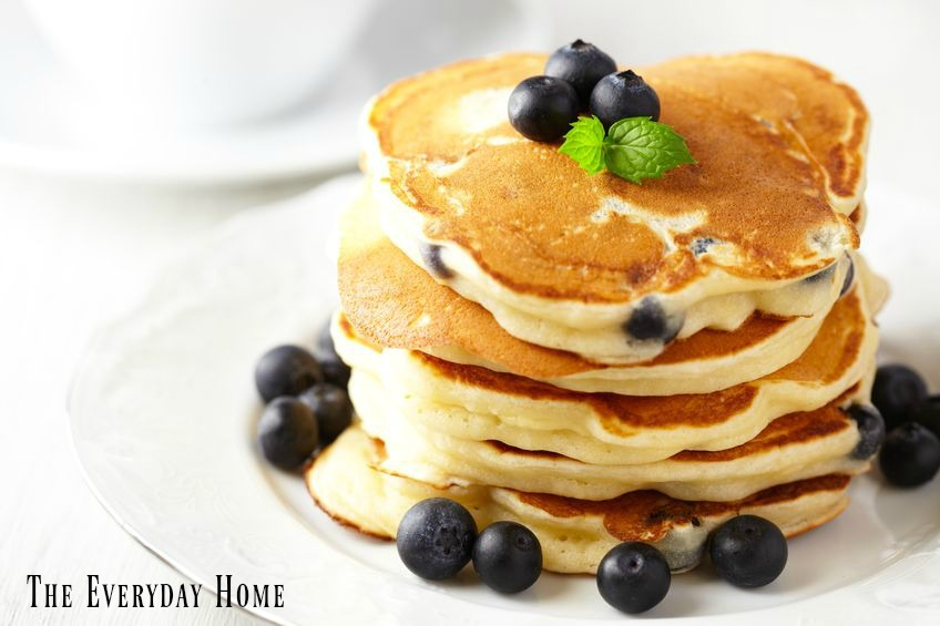 How to Make THE Fluffiest Pancakes EVER | The Everyday Home | www.everydayhomeblog.com