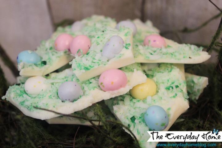 Easter Egg Candy Bark | The Everyday Home | www.everydayhomeblog.com
