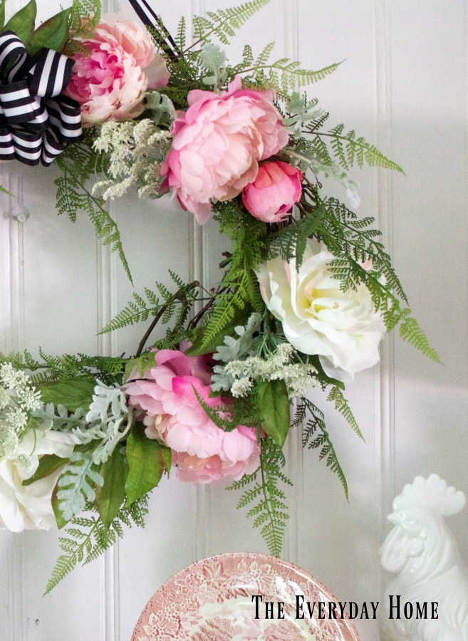 Easy 5-Step DIY Summer Wreath | The Everyday Home | www.everydayhomeblog.com