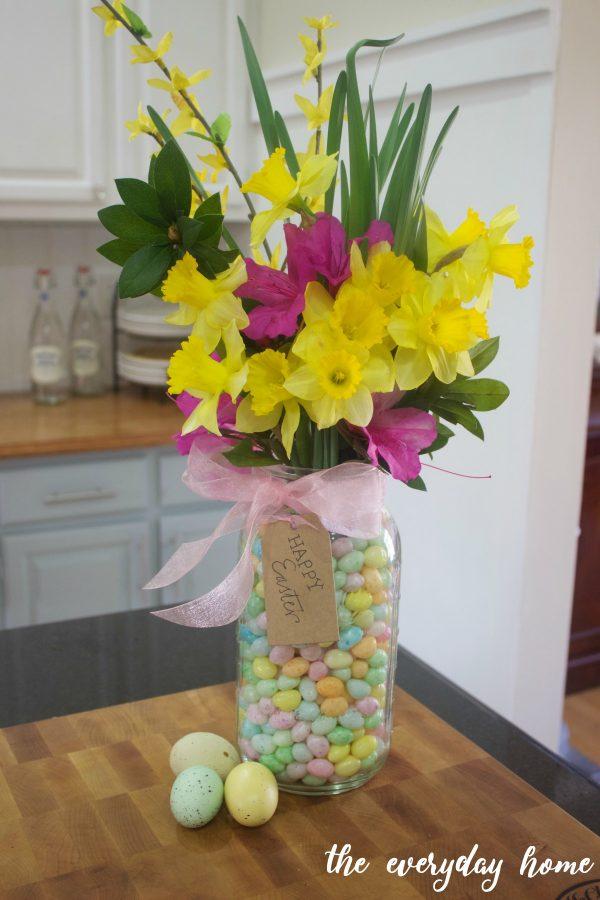 Mason Jar Easter Centerpiece | The Everyday Home | www.everydayhomeblog.com