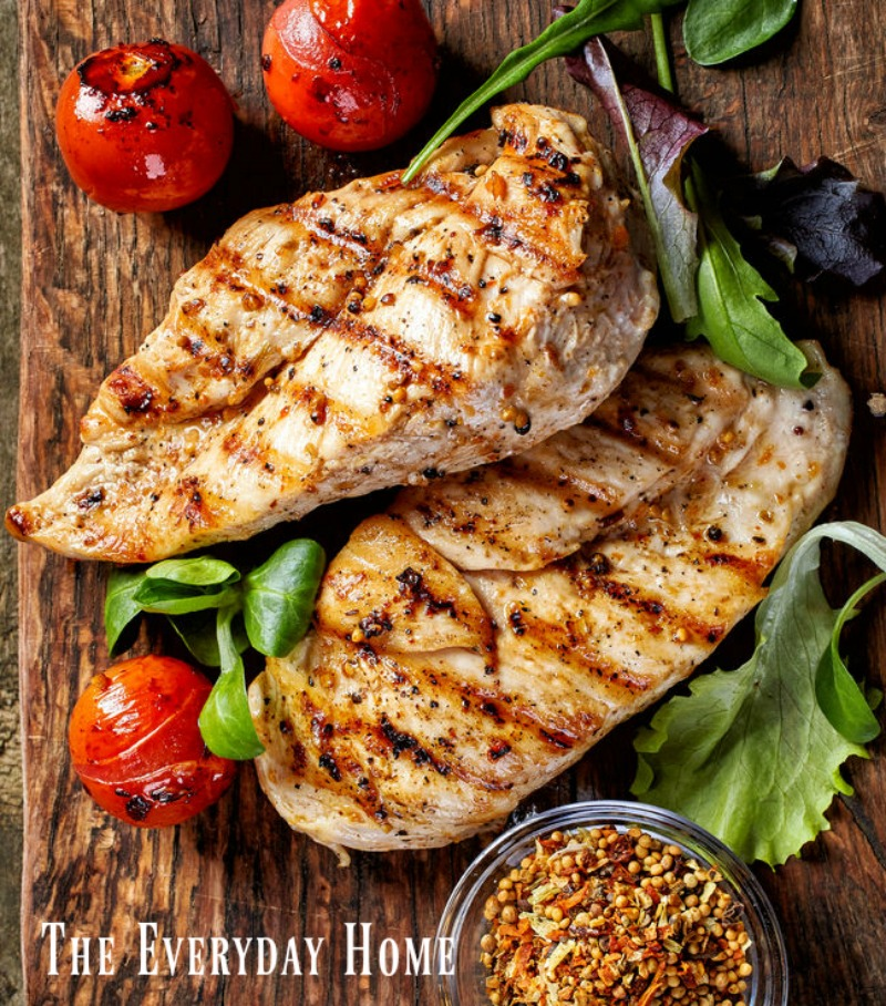 Perfectly Juicy Grilled Chicken | The Everyday Home | www.everydayhomeblog.com