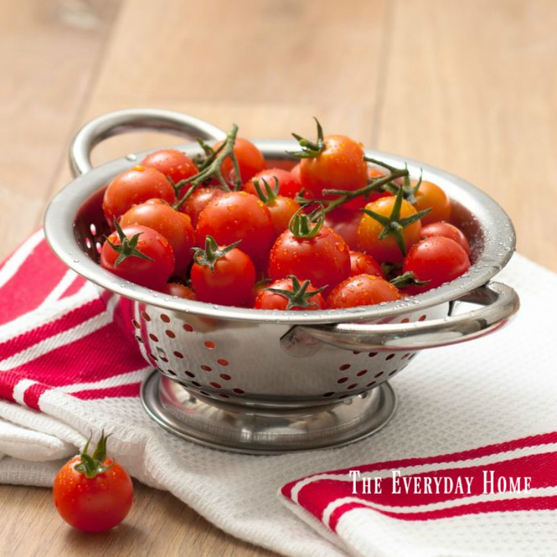 Fresh Picked Garden Tomatoes | The Everyday Home | www.everydayhomeblog.com