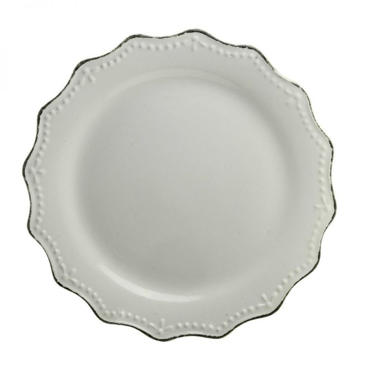 Scalloped Cream Dinner Plates | The Everyday Home