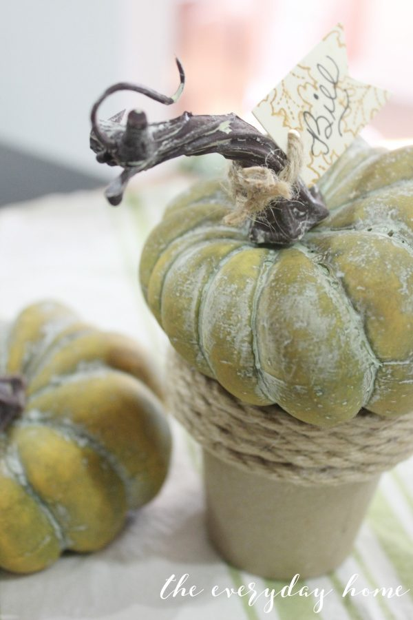 How to Add Texture in a Fall Tablescape | The Everyday Home