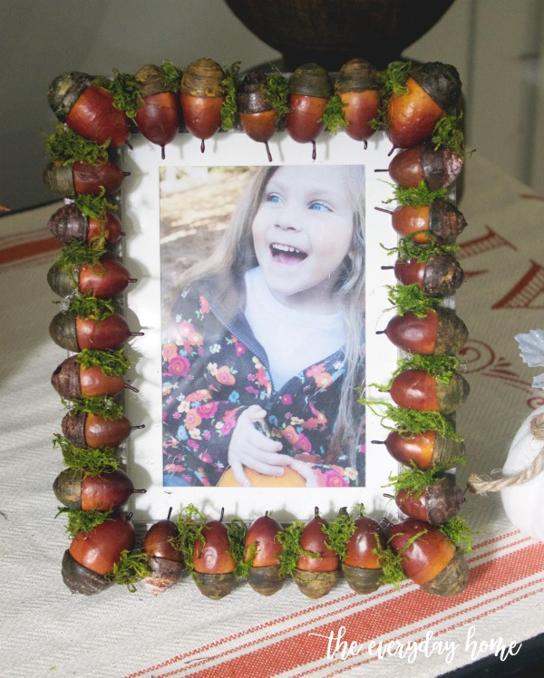 DIY Acorn and Moss Fall Picture Frame | The Everyday Home
