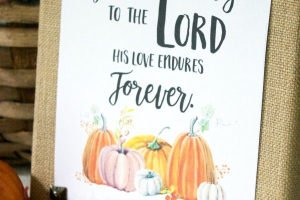 How to Make a DIY Burlap Sign for Fall