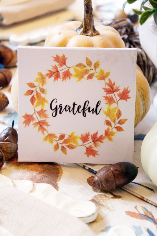 A Mini Grateful Canvas Sign | The Everyday Home