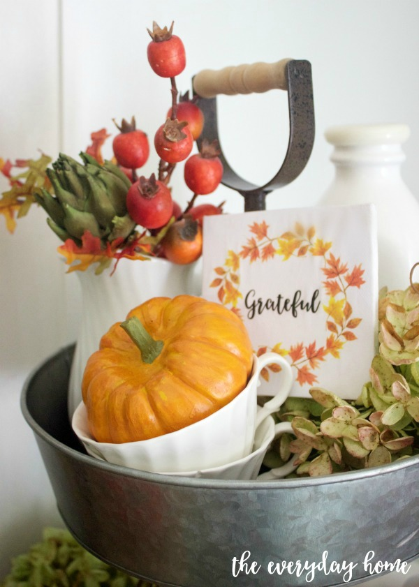Mini Sign in a Fall Vignette | The Everyday Home