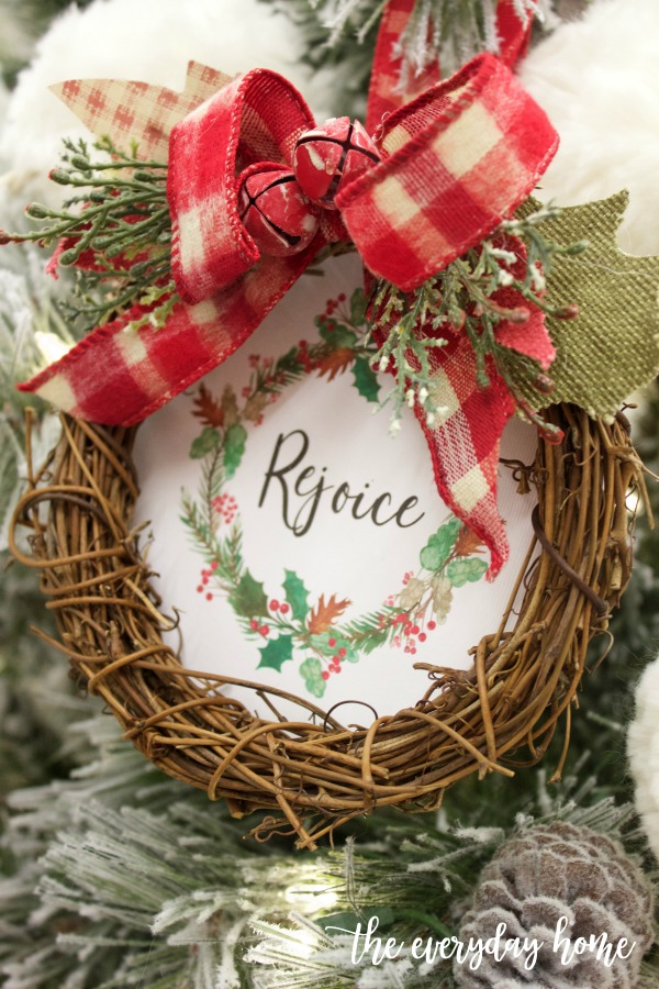 DIY Rejoice Wreath Christmas Ornament (Free Printable) | The Everyday Home