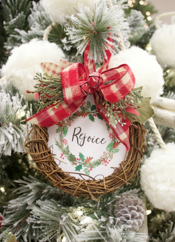 Mini Rejoice Wreath Christmas Ornament (Free Printable) | The Everyday Home
