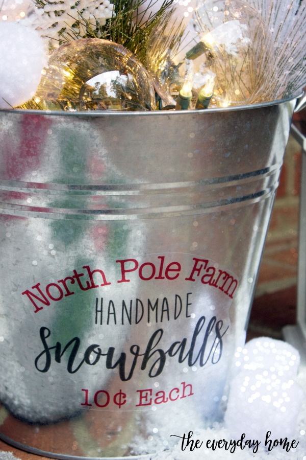 Tutorial for Crafting a DIY Snowball Bucket | The Everyday Home
