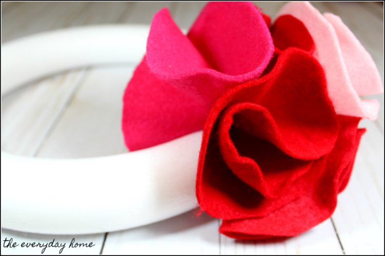 Homemade Valentine's Day Wreath Pink Felt | the everyday home